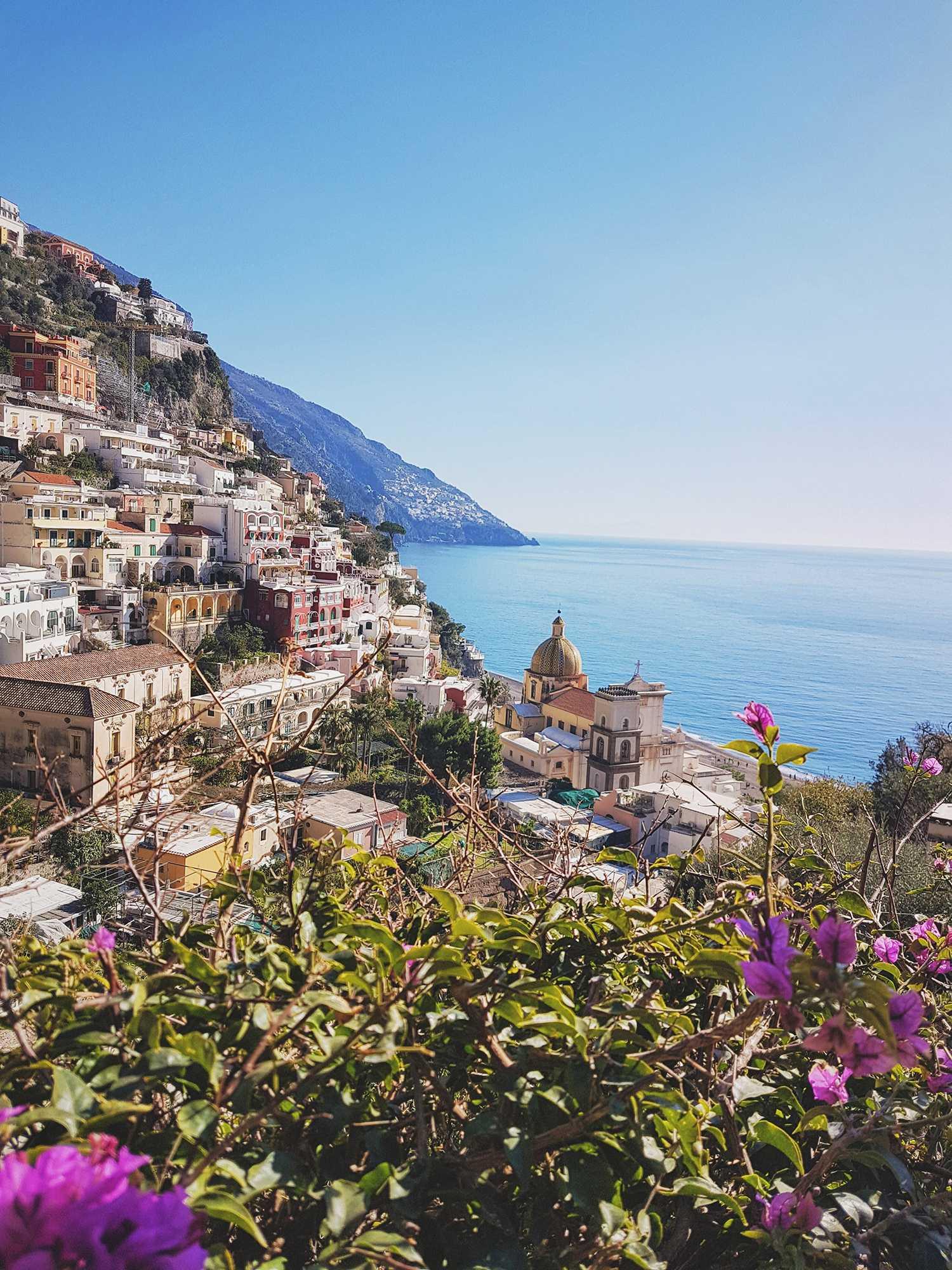 Panorama Aussicht auf Italien mit Blick auf das Meer